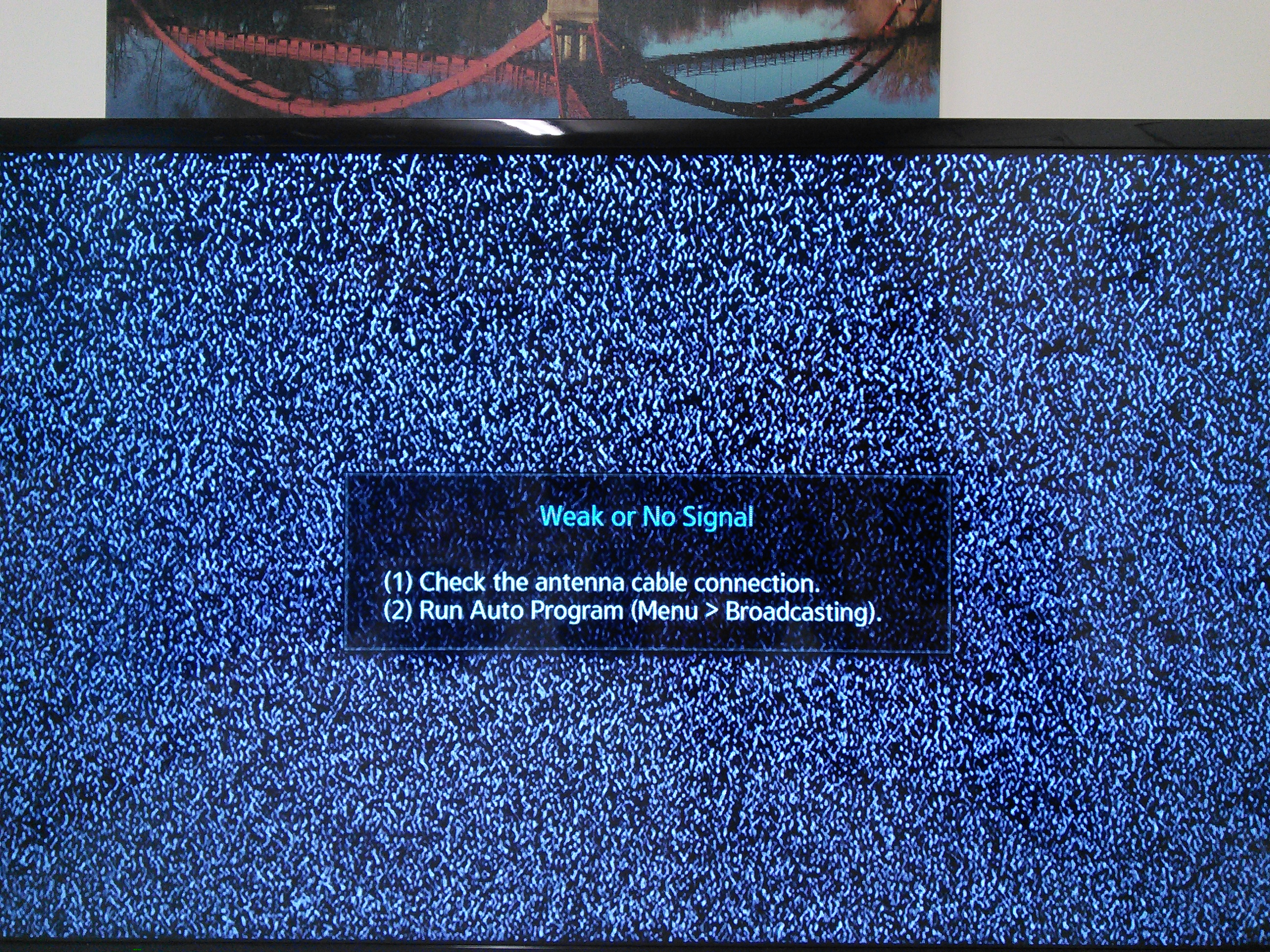tv no cable. a static screen will appear on the tv with text weak or no signal. tv cable t